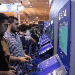 Nos jogos, Uncharted 4 esteve presente na vertente multiplayer, Star Wars: Battlefront também fez a primeira aparição, acompanhado dos novíssimos Street Fighter V e Dark Souls III.